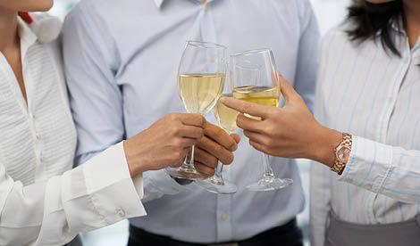 Celebre a vida. Celebre as conquistas. Celebre as coisas simples. Encontre em nós o parceiro ideal para eternizar essa comemoração. Temos o espaço certo, a animação que pretende e o seu catering favorito.